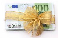 100 euro's met gouden strik